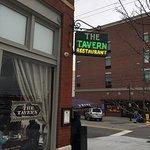 The Tavern ภาพถ่าย