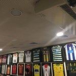 camisolas de decoração de varios clubes....