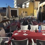 Almuerzos multitudionarios #terraza#Bonaire