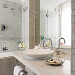 Salle de Bains - Zelliges du Maroc Bathroom - Zelliges from Morroco