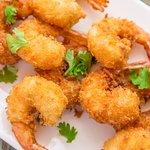 Deep fried coriander & ginger prawns