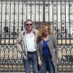 Sosta con foto davanti al palazzo Reale (scattata da Paola)