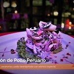 Salpicón de Pollo Peruano Papas, arvejas, zanahorias y pollo deshilachado con aderezo especial.