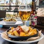 Patatas bravas de Internacional Restaurante Bar
