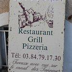 C'est un restaurant grill pizzéria