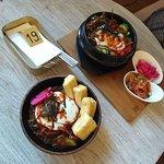 Wegetariańskie noodle bowl, wersja ze smażonym tofu