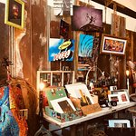 Come check out all the amazing artwork done by local artists in YOUR city! Print, collectibles, Memphis memorabilia —and more! Open until 9pm today and tomorrow 💜