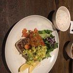 Un dîner qui nous a stimulé nos papilles avec toutes ces saveurs !  Bruschetta et salade verte en entrée suivi de poissons en plat un vrai délice !