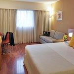 Habitación Standard con cama de matrimonio y sofa cama doble