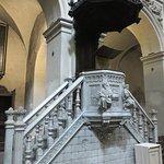 Il pulpito ottocentesco nella navata centrale