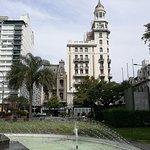 hermosos edificios que rodean la plaza