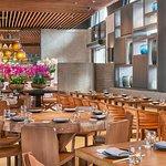 صورة فوتوغرافية لـ Novikov Restaurant & Lounge
