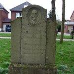 Grabsteine als Denkmal aus dem 18. Jahrhundert: Im Park, der einmal ein Friedhof in Goch war.