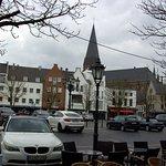 Blick von Eis Cafe auf den Marktplatz von Goch.