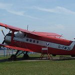 Altes Schätzchen. Eine Antonov An 2 ist ein Denkmal, eine andere macht noch Rundflüge