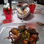 Faux filet d'agneau d'Ecosse, purée de carottes au curcuma, petits légumes