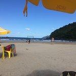 Baía Castelhanos, área dos quiosques caiçaras - Ótimo para banhistas.