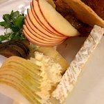 Très belle présentation de mon assiette de fromage
