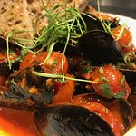Mussels w/ Roasted Garlic Tomatoes