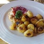 Pripálené zemiaky, žiadna zeleninová obloha