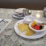 Photo de Royal Sun Restaurant and Lounge