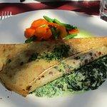 Crepe Entinards Artichauts (spinach/artichokes/goat cheese)...