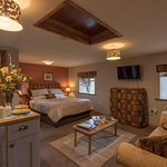 The Grainery Suite, with mini KITCHEN & private own balcony