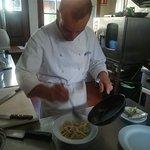 Il nostro Chef, Alessandro Manzetti, al lavoro