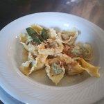 La nostra pasta fresca fatta in casa: Tortelloni di Magro al burro e Salvia