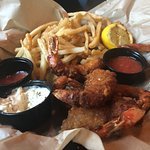 Foto de Outriggers Tiki Bar and Grille