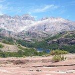 Picos que forman la frontera con Chile y última laguna