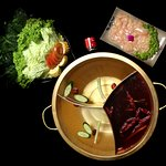 Lunch for for 1- 2 Pax Comes with 2 flavoured Soup Base Sliced Tender Chicken and Assorted Vegetables.
