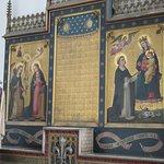 Détail de l'autel de l'une des chapelles
