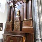 Autel de l'une des chapelles