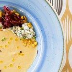 Bisque di mais con formaggio erborinato e yougurt