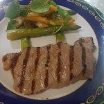 Entrecot a la brasa al gusto Esparragos Triguero JARDI MAR Restaurante