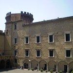vista del castillo desde el interior