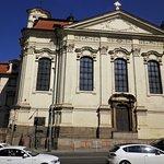 Il fianco della Cattedrale ortodossa dei Santi Cirillo e Metodio, in Resslova, a Nové Město.