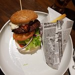 En glutenfri Bacon and cheeseburger