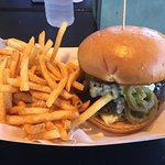 Burger Blue Cheese / Jalepeno / Fries