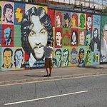 Tour de 2 horas en taxi negro por murales y muros de la paz en Belfast