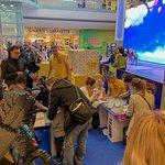 A l'occasion de l'inauguration de la boutique LEGO STORE CAP3000, jusq'au 13 avril 2019, de nombreuses animations sont prévus : • Rencontre et séance photo avec les personages du dernier film de LEGO • Ateliers de construction gratuit du vaisseau Sweet Mayhem's Systar • Distribution de briques spéciales LEGO NICE aux visiteurs • Un cadeau exceptionnel à partir de 125€ d'achat • Chaque jour, les 100 premiers visiteurs récoivent une miniature de la maison Emmet