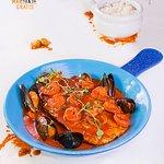 ¡Pide tu menú de pascua y pesquera del mar te invita el maridaje de tu plato!  Pesca del día en salsa napolitana, #camarones, #mejillones y #arroz blanco!