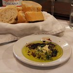 La Tapa dipping oil and bread