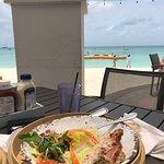 Bilde fra Waves Beach Bar & Grill