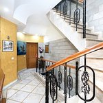 OYO 16376 Hotel Paras Photo