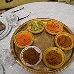 Conjunto de platos diferents, fueron como primeros platos