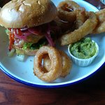 Otto's Burger Lange Reihe Bild