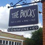 ภาพถ่ายของ The Bricks