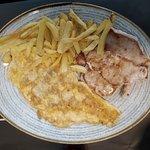 Lomo, Tortilla de Gambas y Patatas (94)
